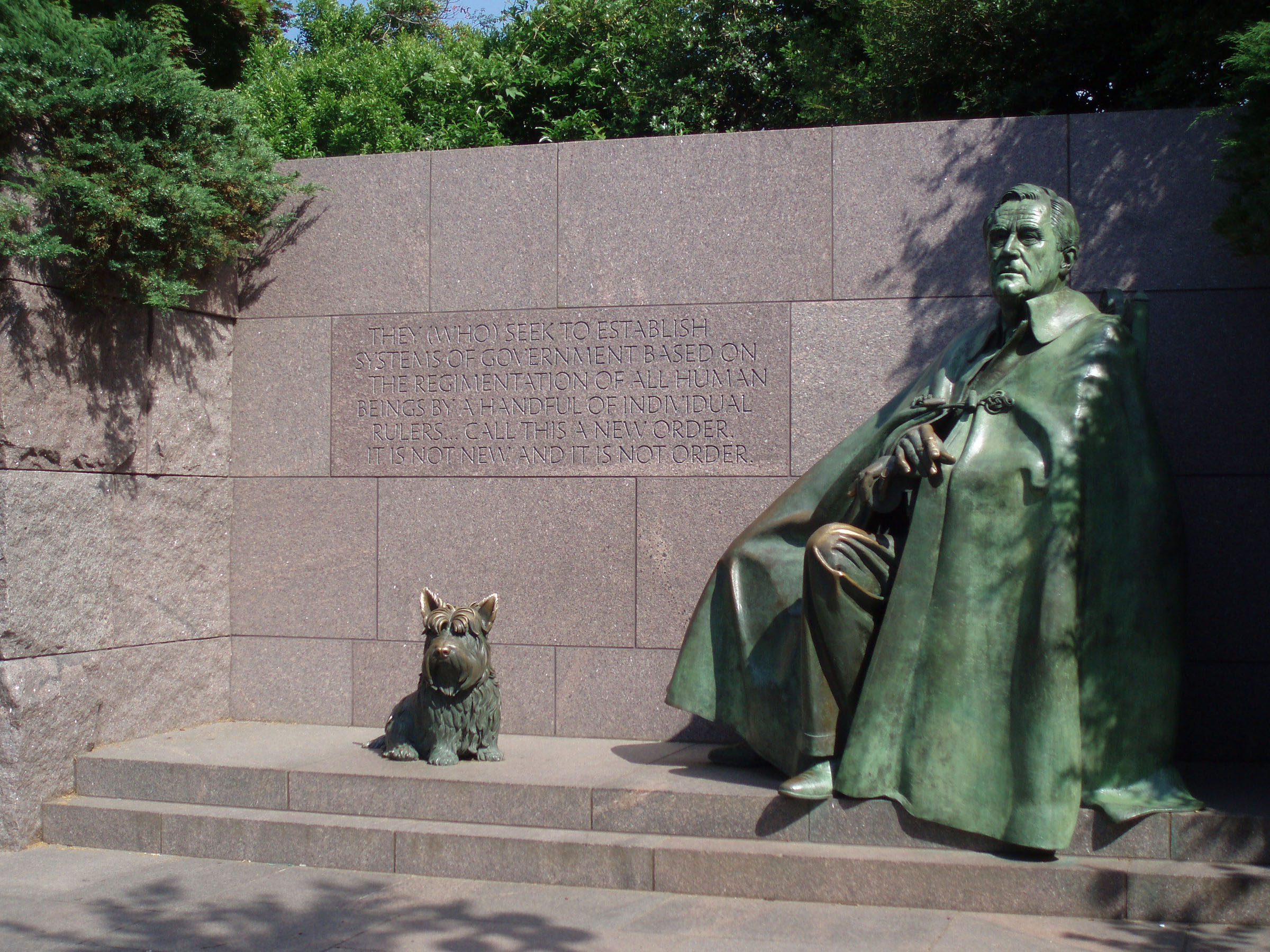 Pictures of the fdr memorial